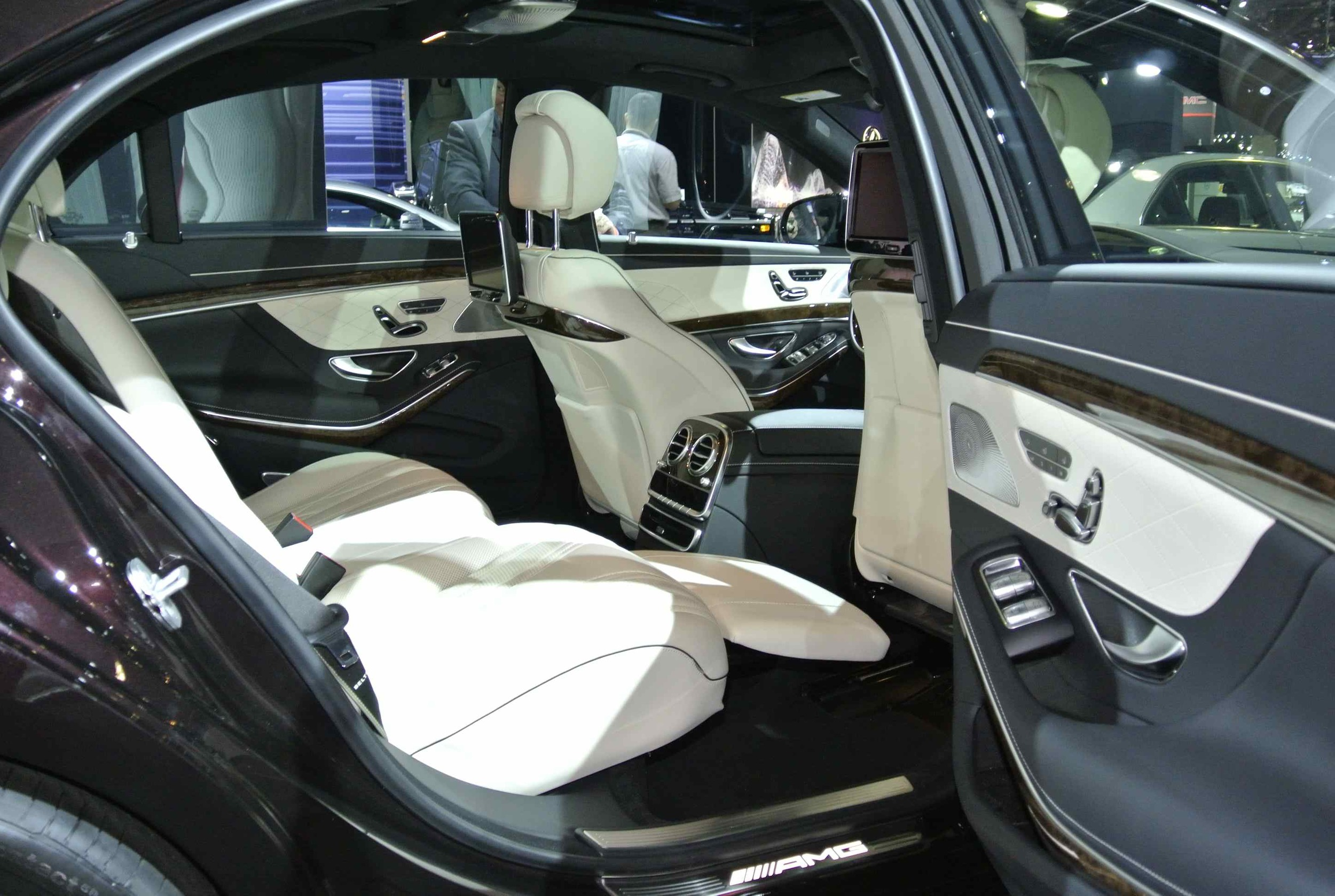 MercedesS63InteriorALT1.jpg