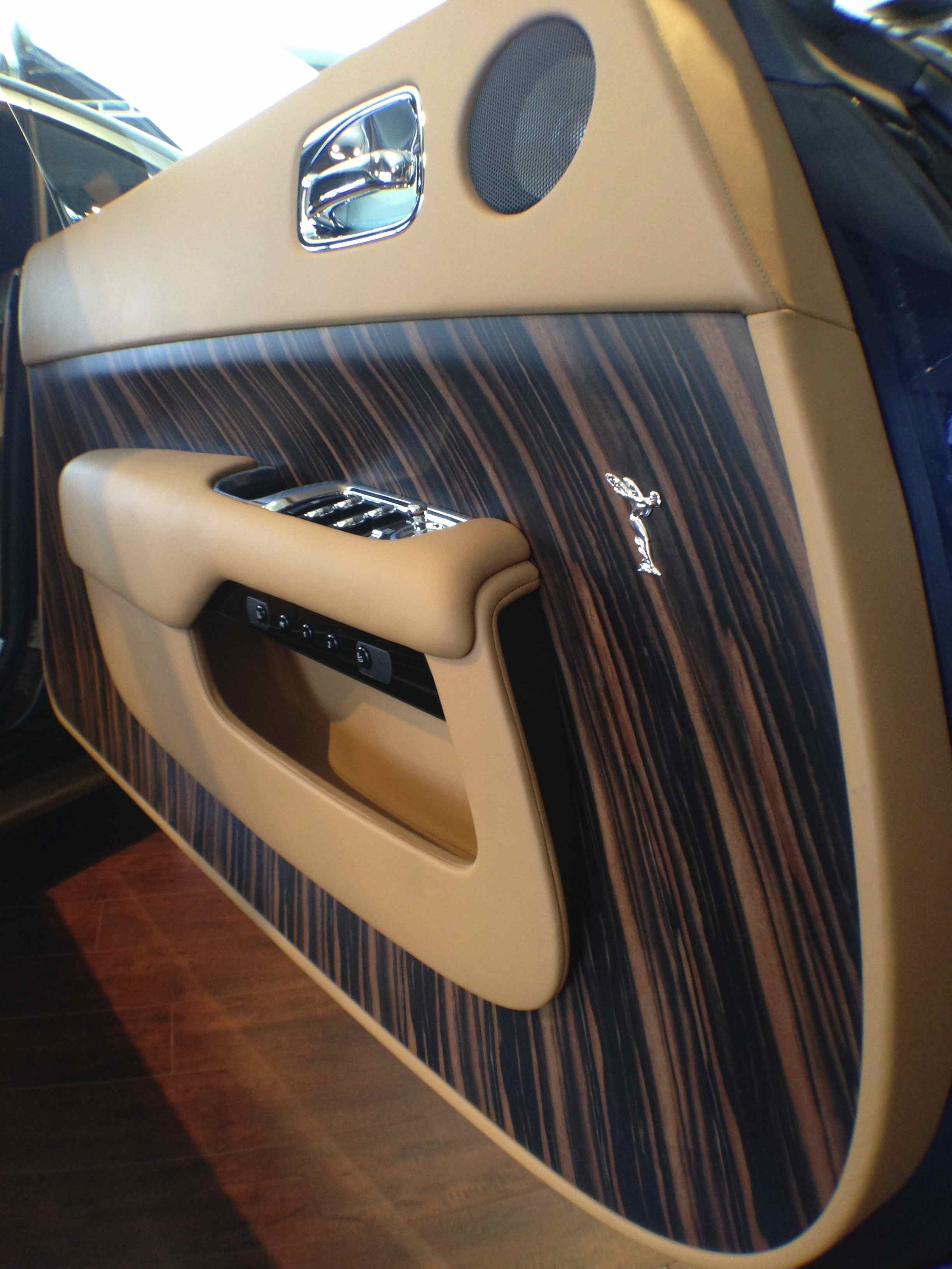 """Exquisite """"Canadel Panelling"""" aboard the Wraith"""