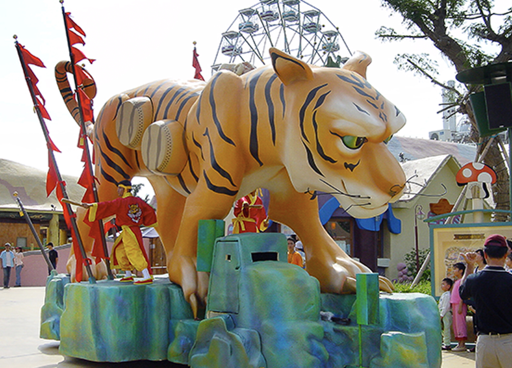 themed float-lotte world 4.jpg