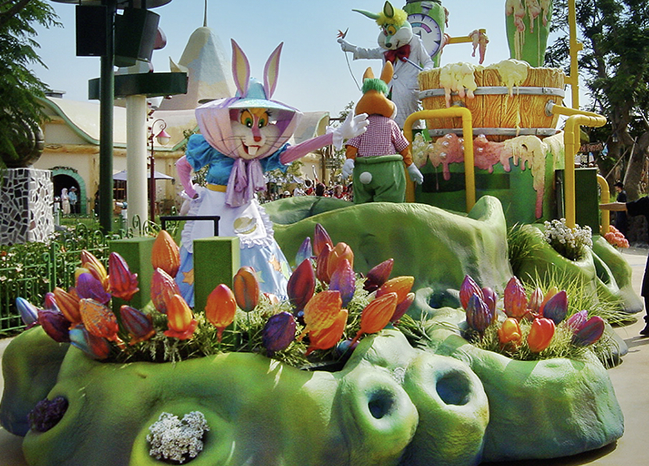 themed float-lotte world 5.jpg