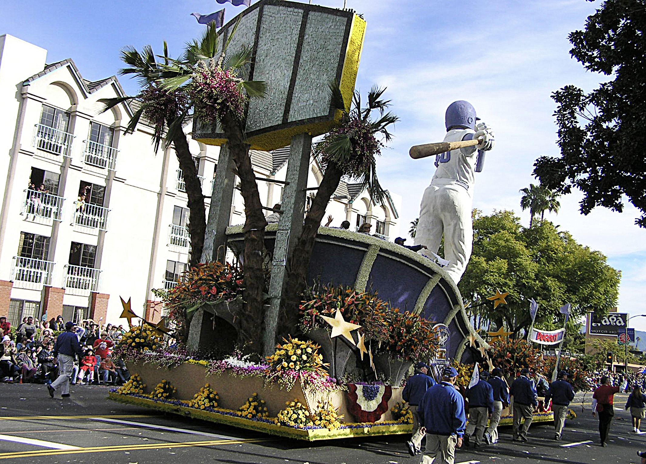 roseparade winning entries-dodgers 5.jpg