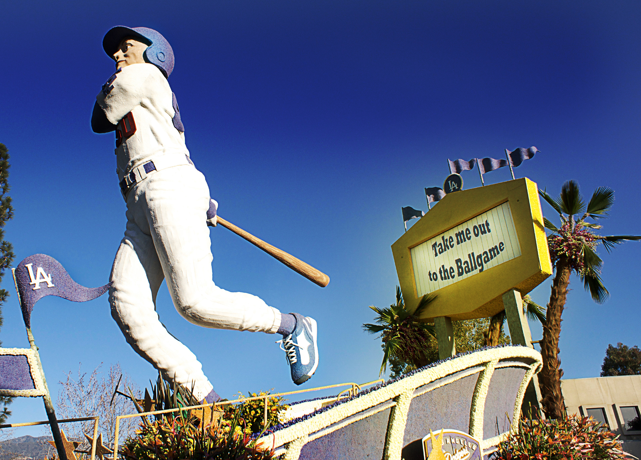 roseparade winning entries-dodgers 2.jpg