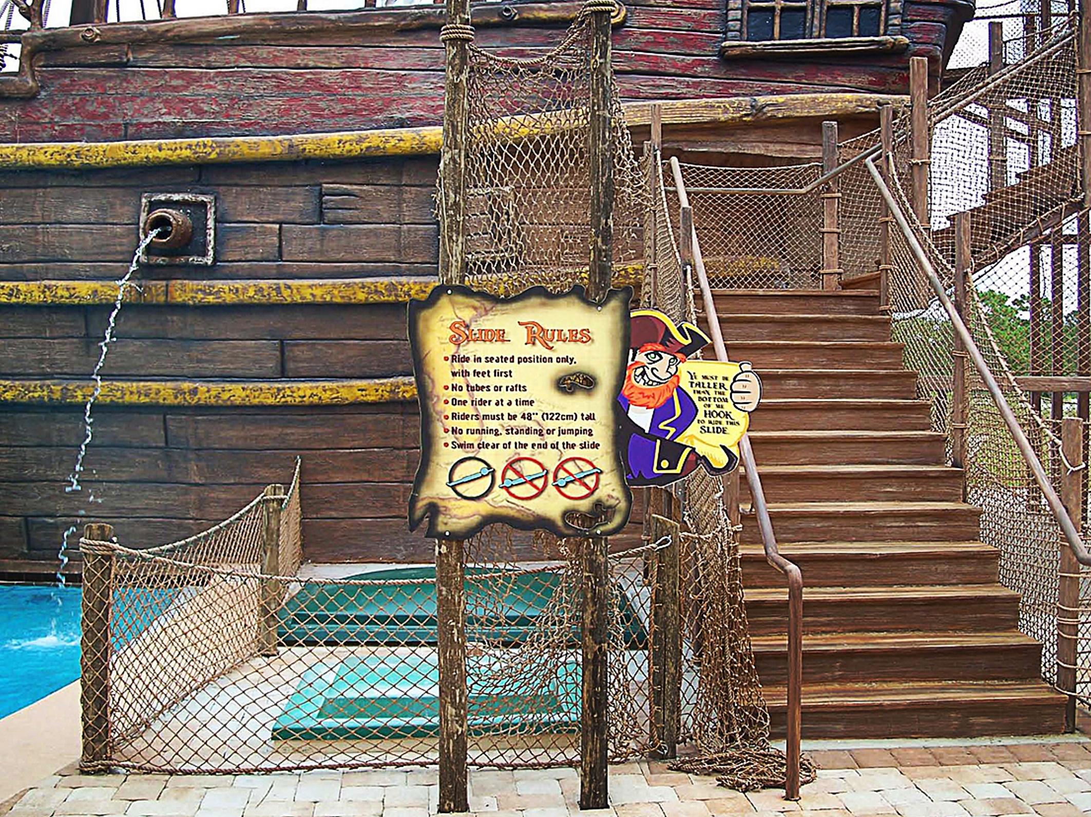fl-te-pirates plunge 09.jpg