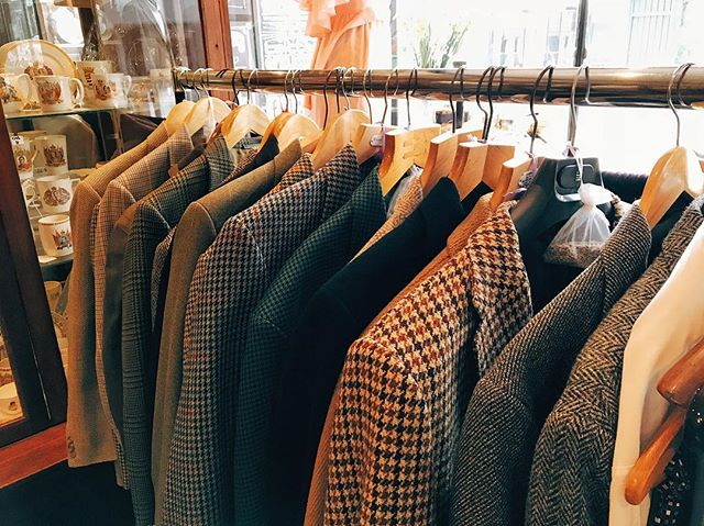 We've packed our rails with some new gentlemen's jackets. Harris Tweed, Daks, Clayton, Gurteen, Classic Burton, to name a few. Perfect for this muggy sweater-weather.