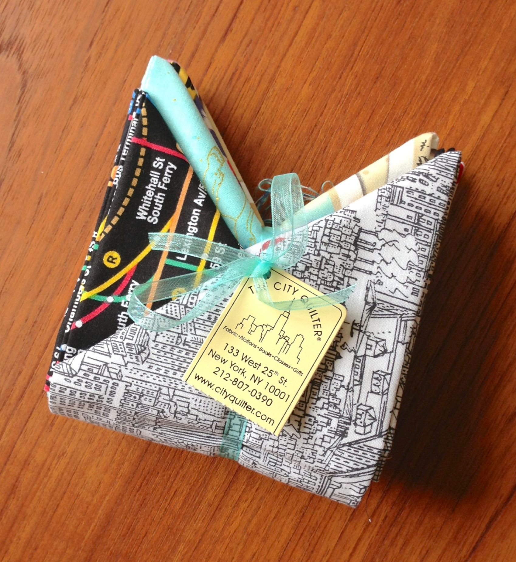 Fat quarter bundle - City Quilter's NYC-themed fabric