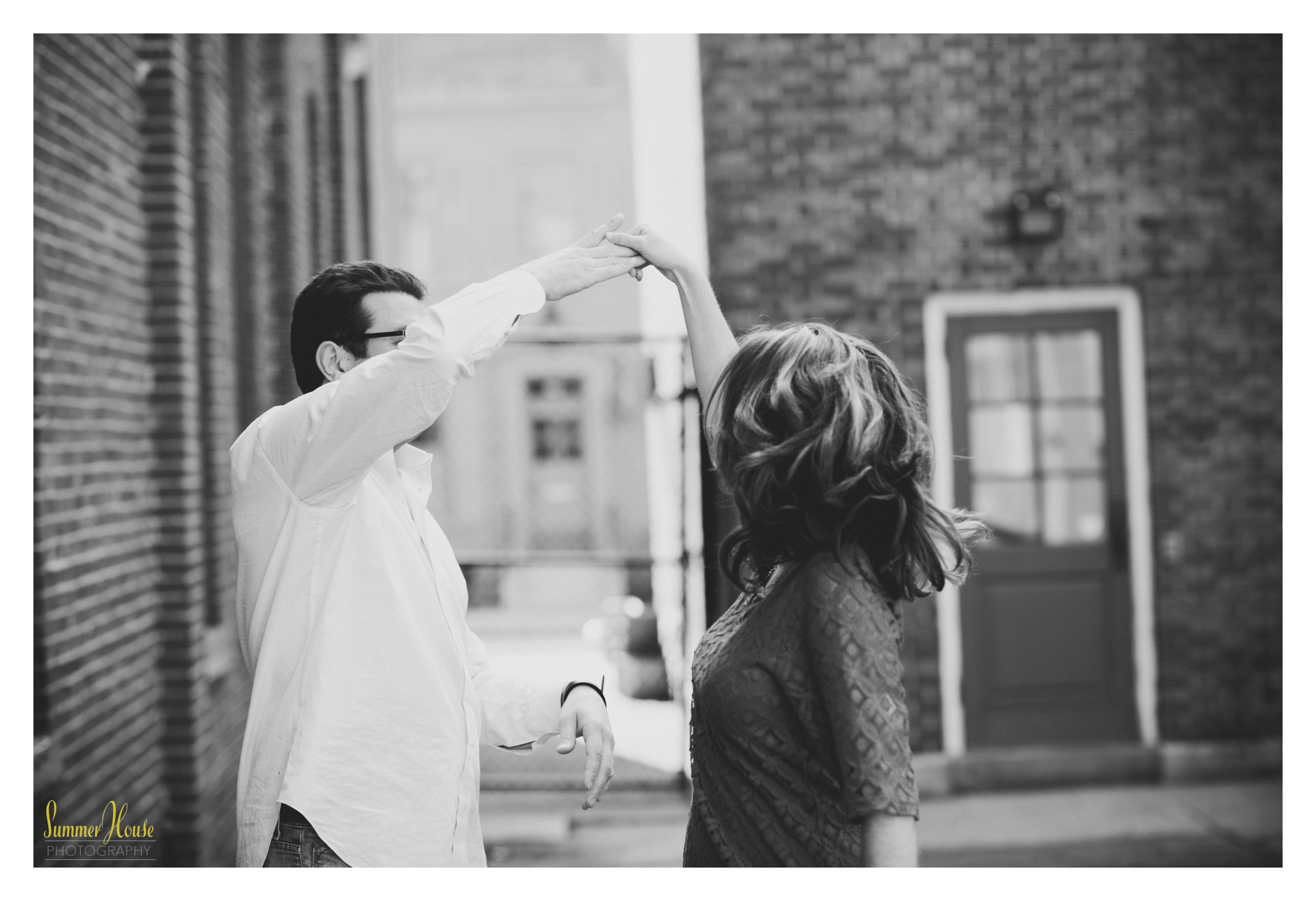 Pennsylvania city engagement photographer