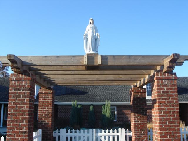 Nuestra Señora sobre la Pérgola