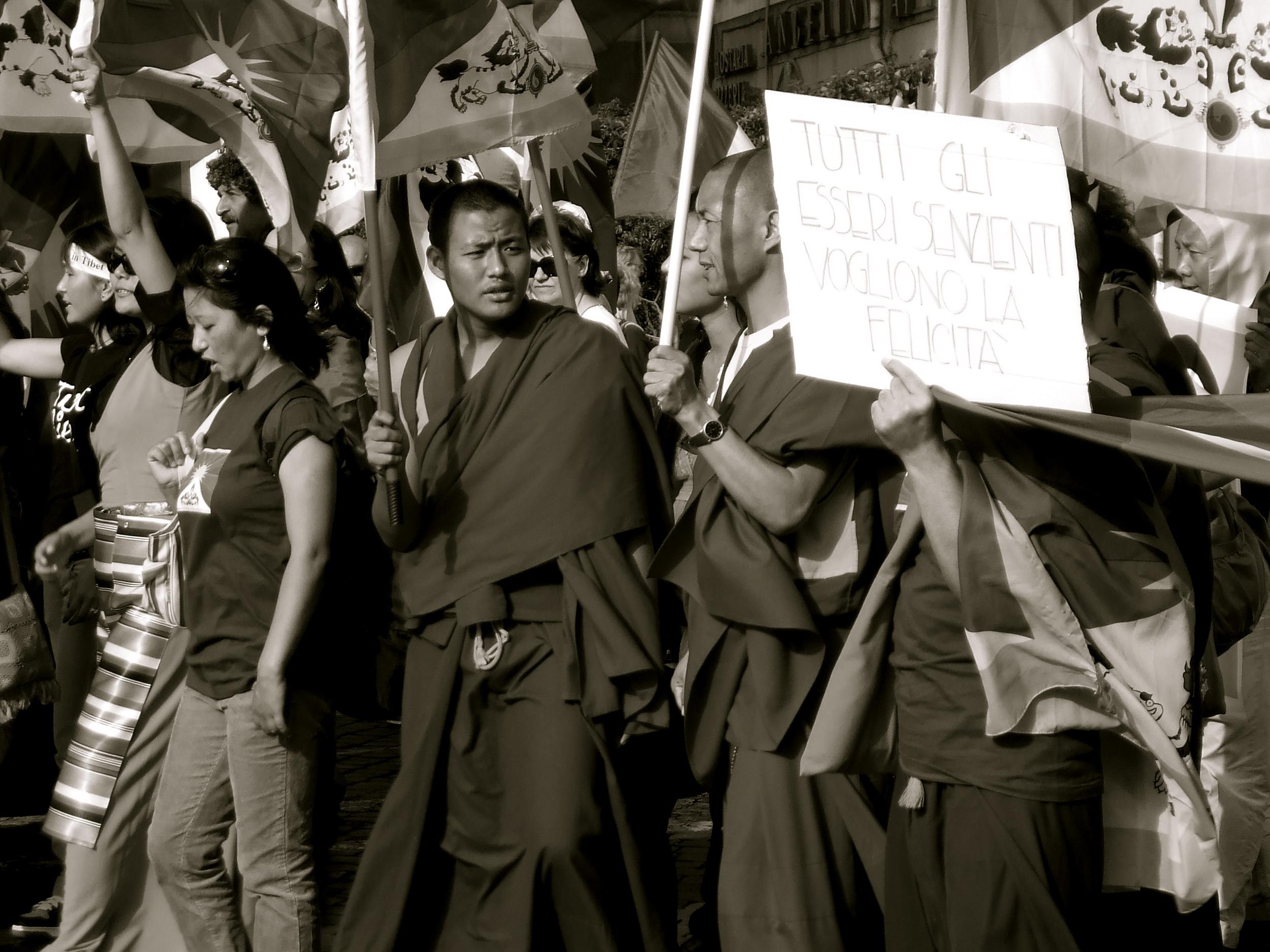 """Tibet Libero!"""