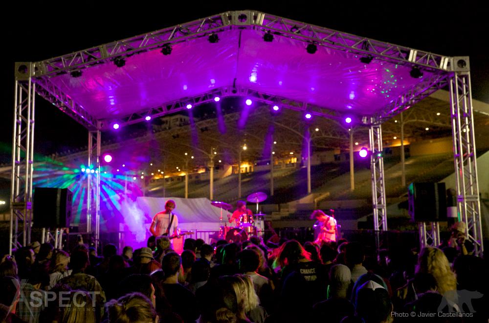 Moon Block Party 2014  -  METZ