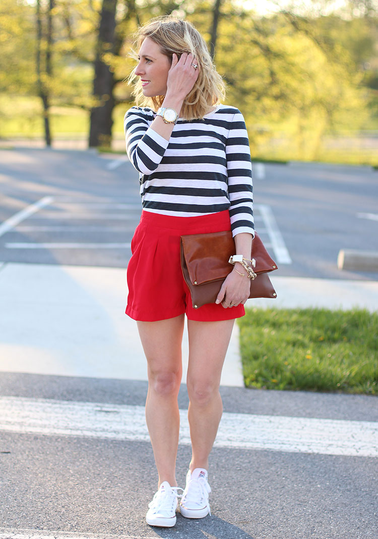 Weekend Outfit Idea: Comfy Striped Tee, Red Shorts, & White Converse