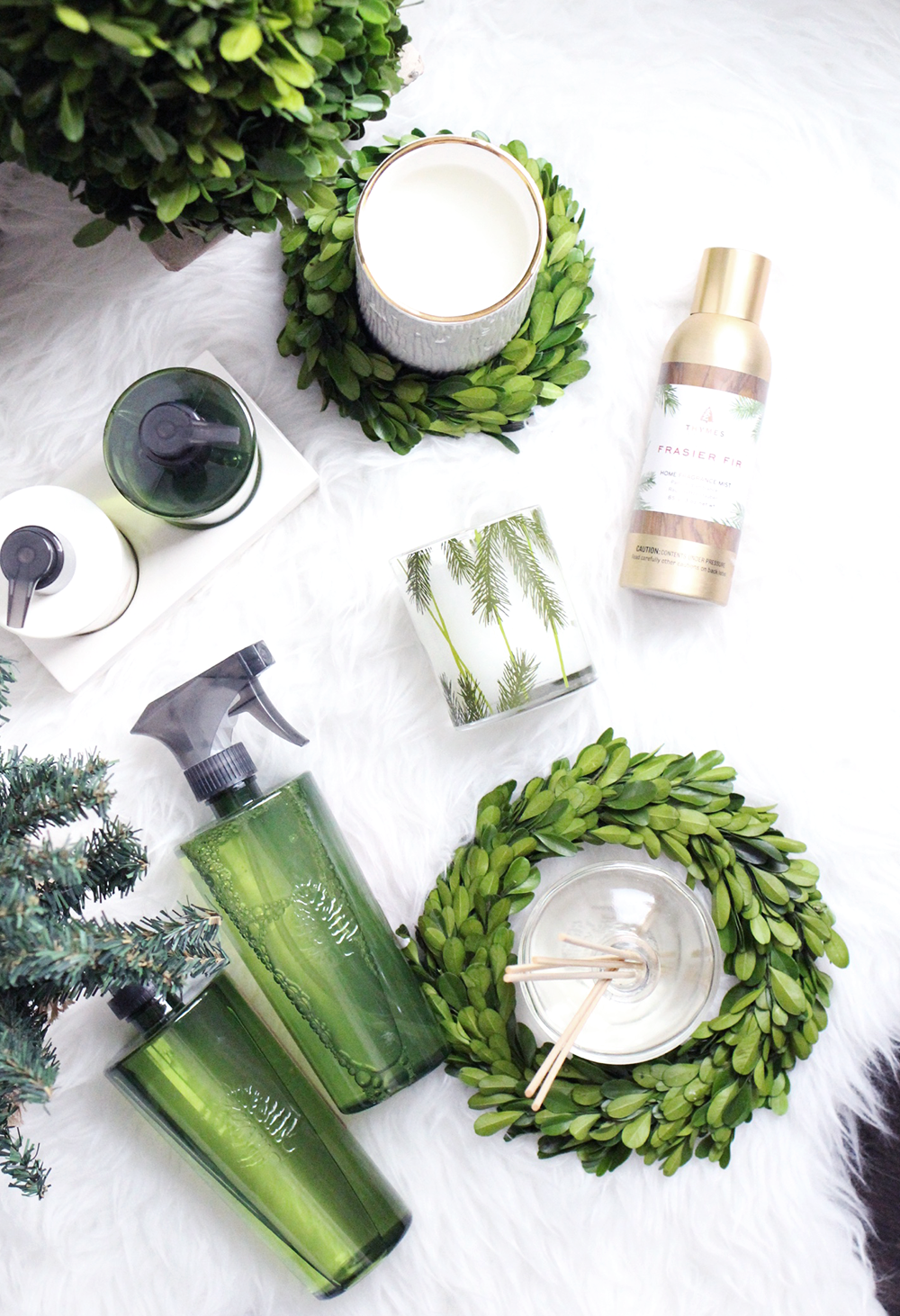 Holiday Decoration Ideas, Fraiser Fir, White and Gold Candle