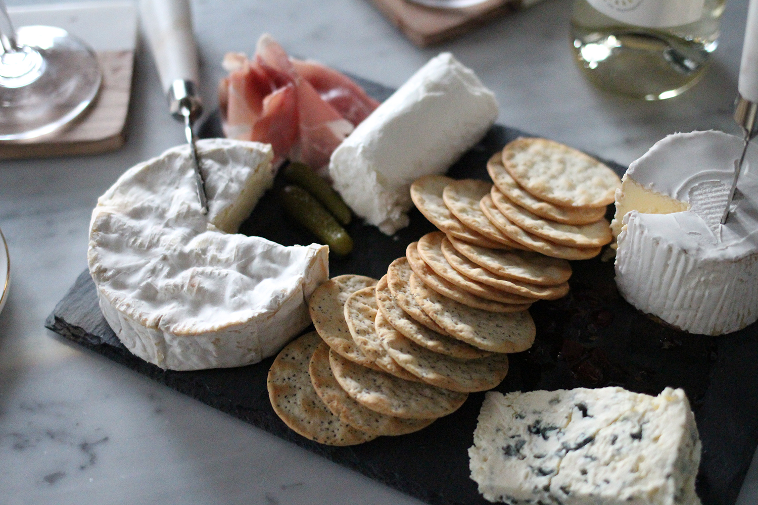 Creating The Perfect Cheese & Wine Board