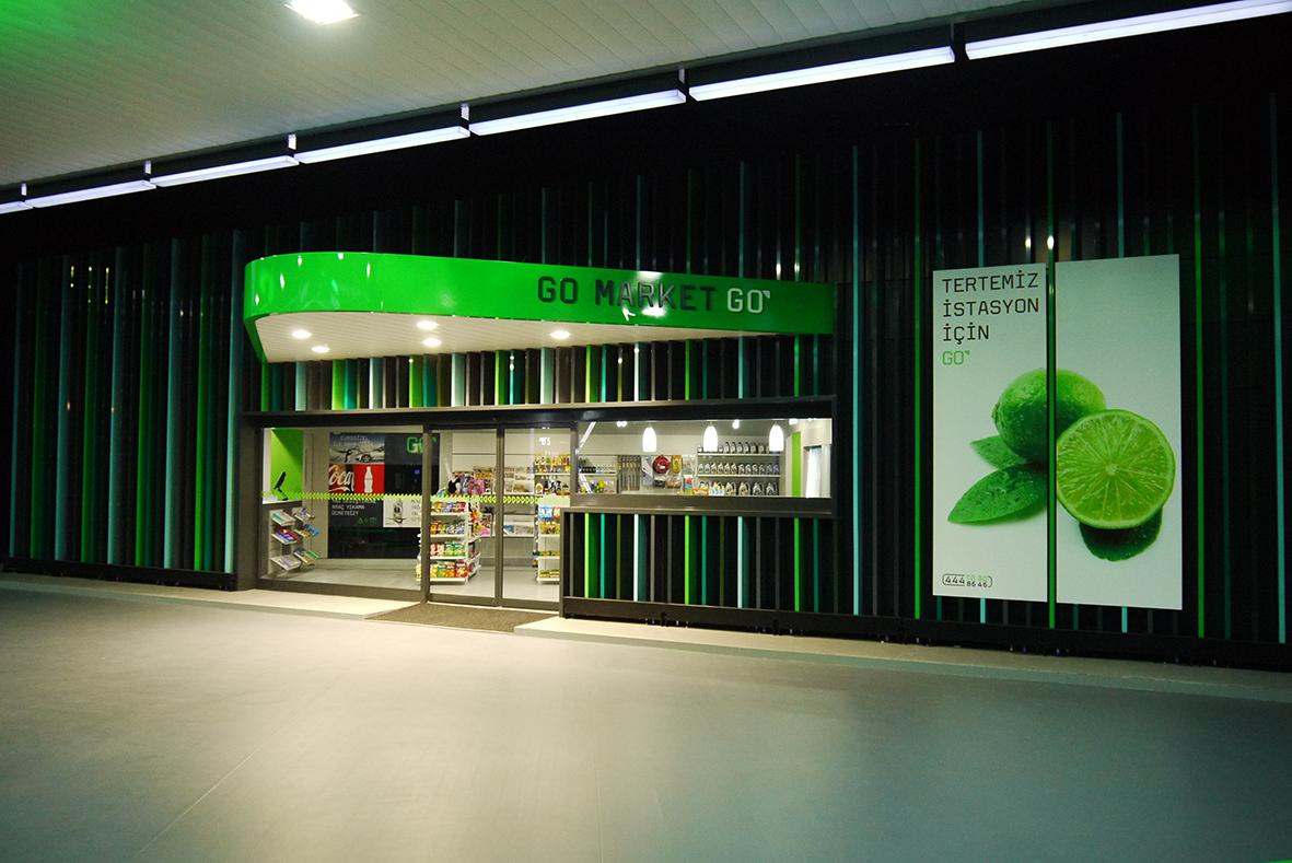Fachad C-store.jpg