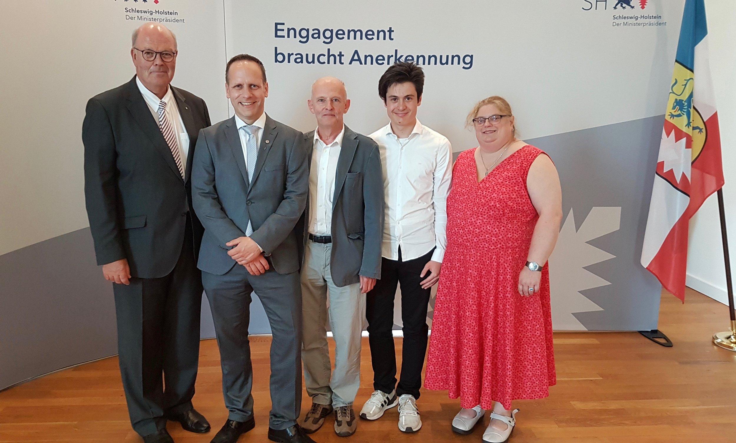 Sven mit dem Innenminister und den Dojo-Vertretern Petra, Khudos und Wolfgang