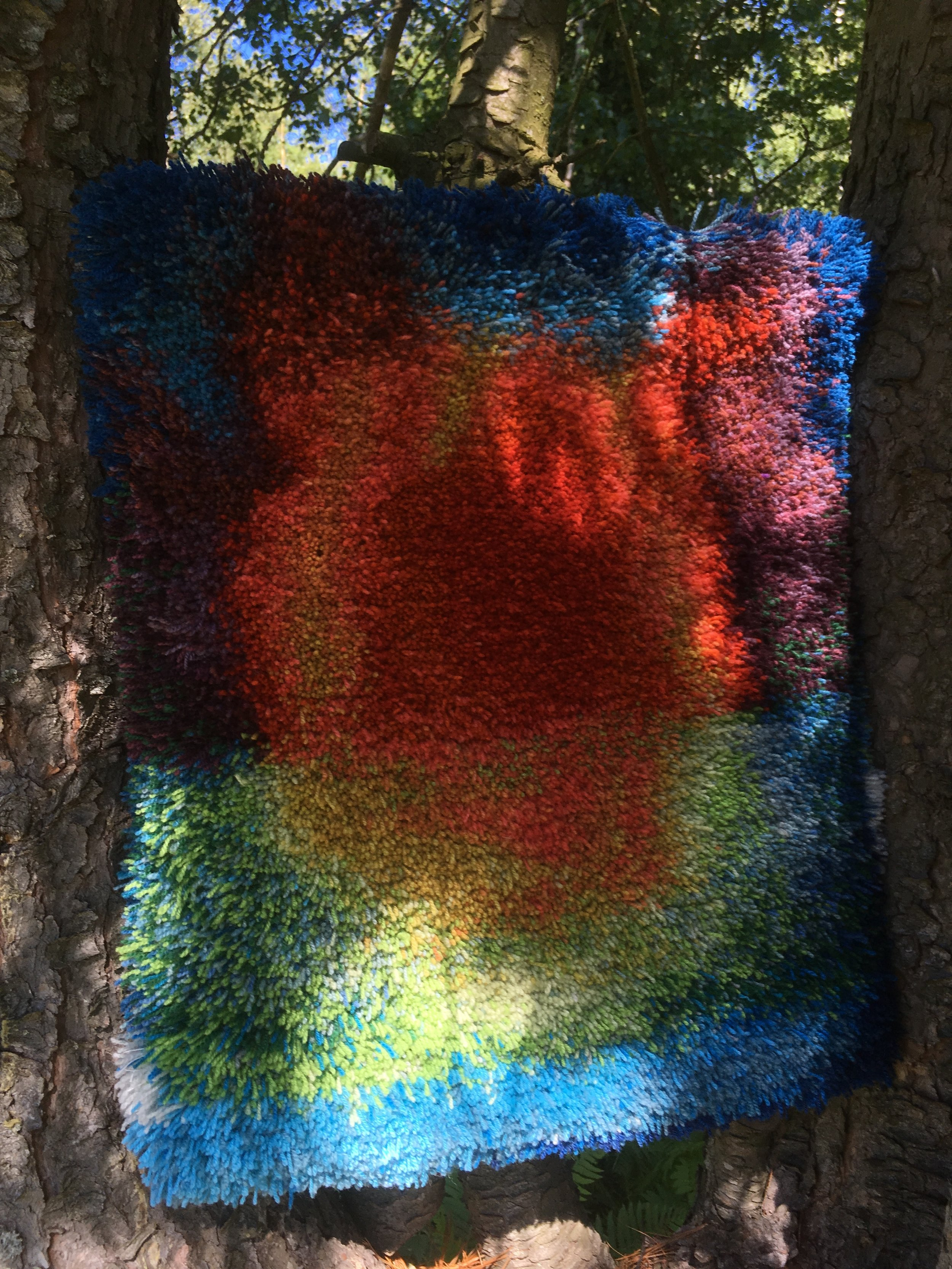 Taideryijy luonnossa / Art Tapestry in nature