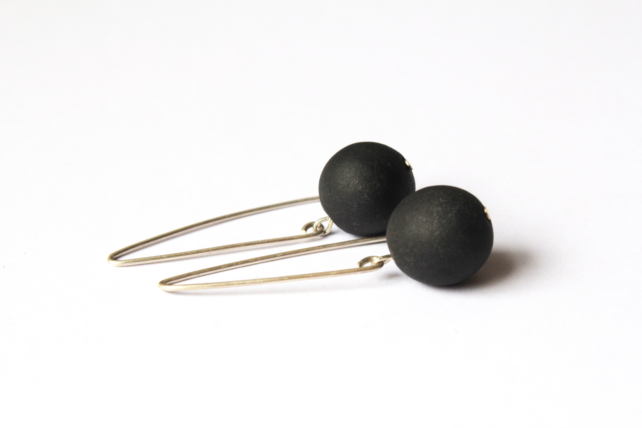 Peal Earrings in Black