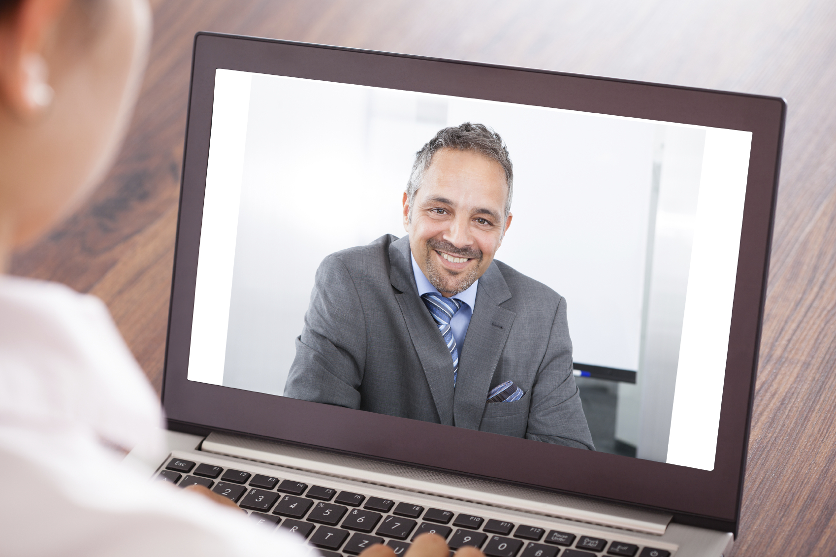 Interactive customer service webinar for remote employees