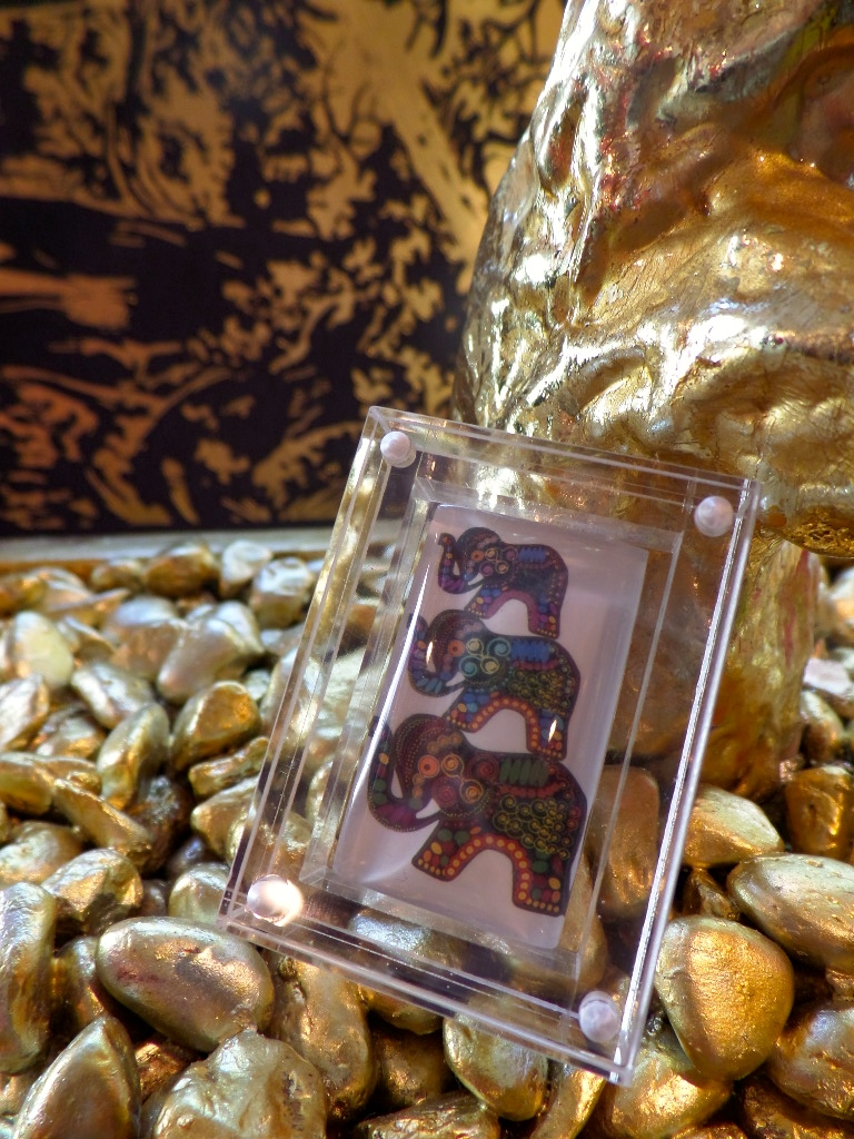 When you are not wearing your BuDhaGirl Family Reminder still keep close by it in its wonderful little acrylic box.