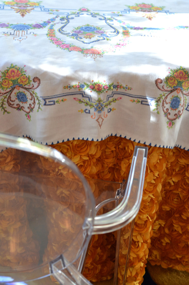 embroidered=tablecloth