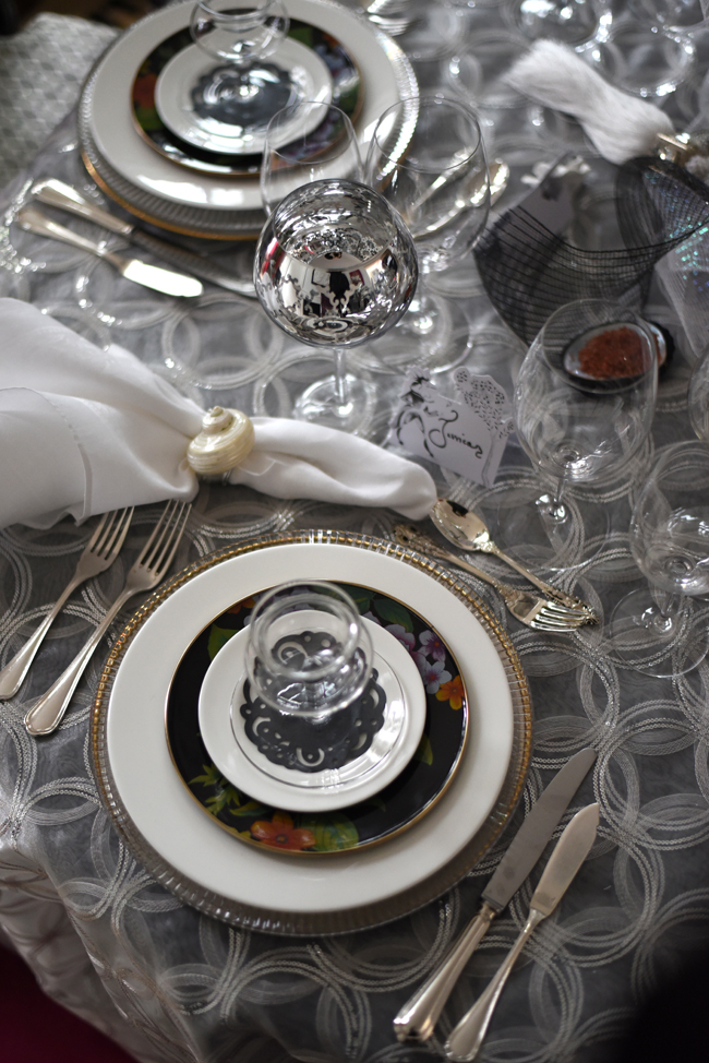 Jessica Jesse, our CEO and Creative Director, designed this beautiful and elegant tablescape for her family and friends to bid farewell to 2015 and ring in the New Year in style.