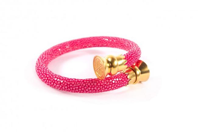 one vibrant and stylish  pink stingray wrist wrap