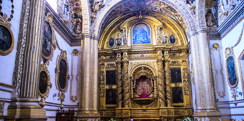 Walking into the Church of Santo Doming Guzmán you experience total Mindful Glamour™.