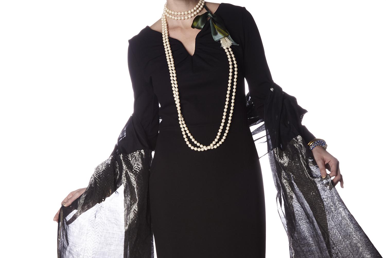 Budhagirl diva shawl in black