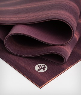 Take your yoga practice to the next level with the ultra-luxurious  Manduka PRO - Dynamic