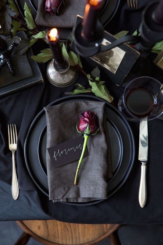 Experiment with aged flowers for your Halloween table setting