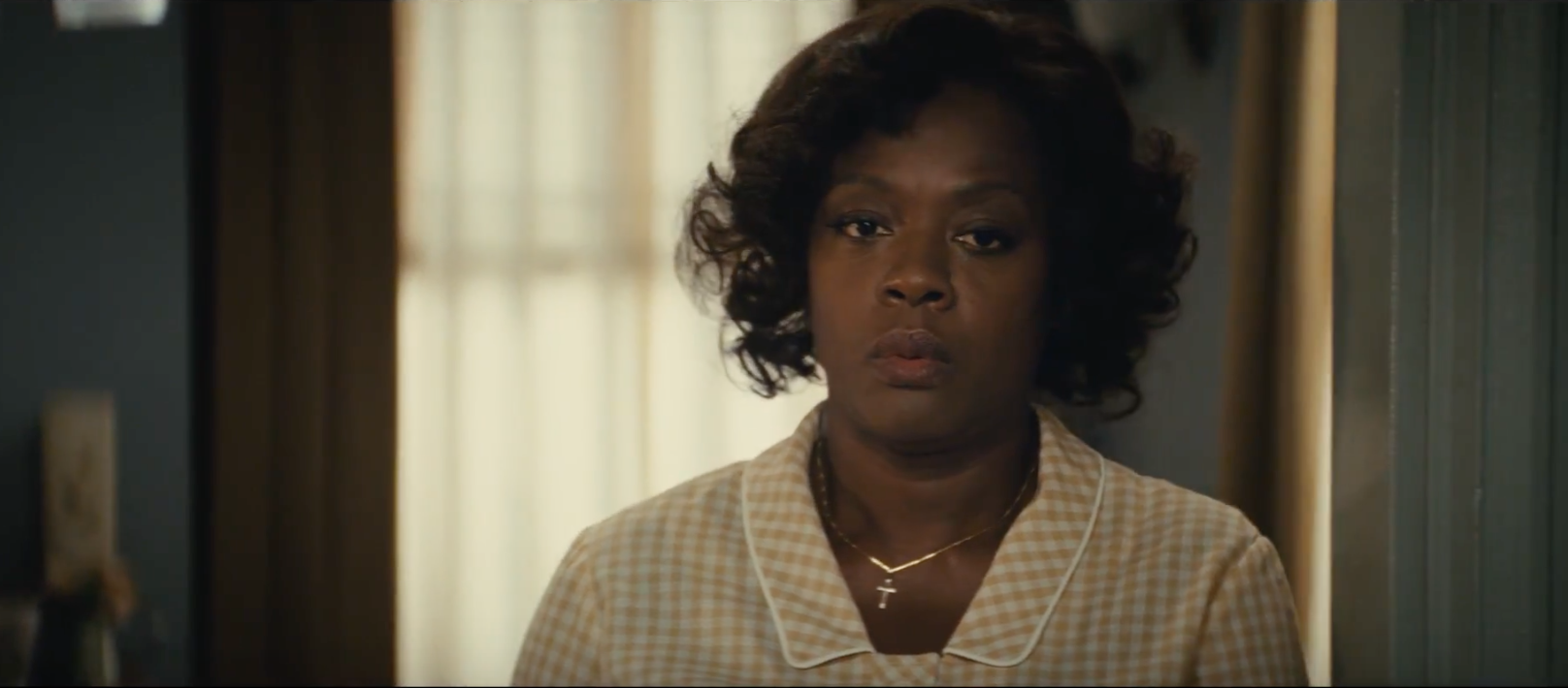 Viola Davis remains on her cruise to the Oscar stage for 'Fences'