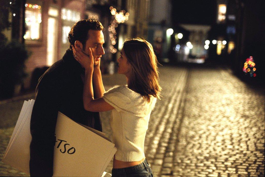 Holiday-Romance-Movies-Netflix.jpg