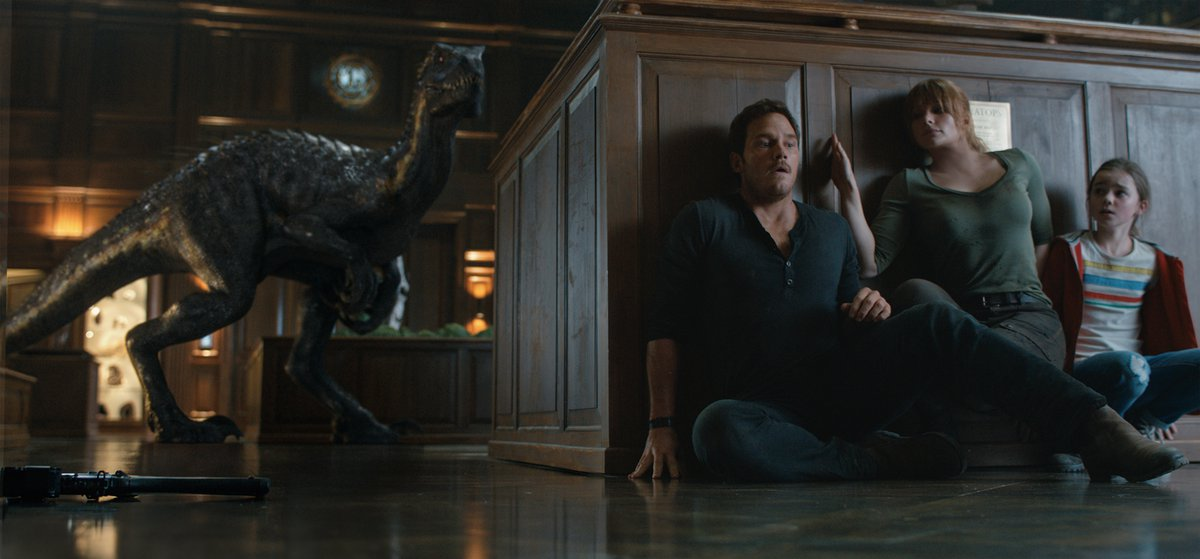 Familiar shots abound in latest 'Jurassic' adventure