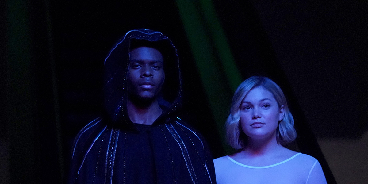 Finally! Cloak wears an actual cloak and Dagger gets a kind of ballerina costume- let's see more of that please
