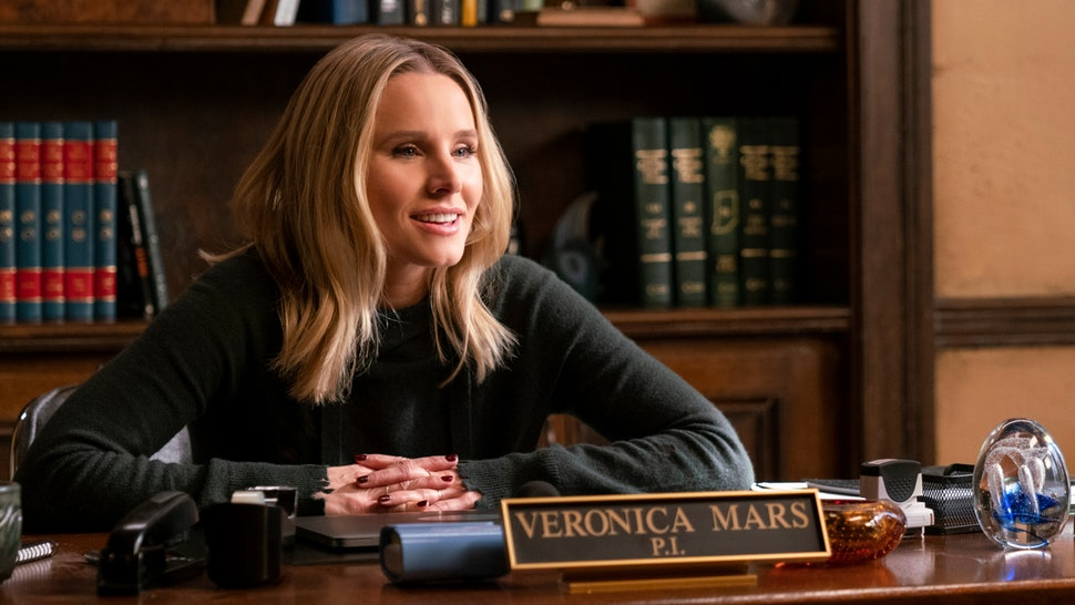 Kristen Bell is back as Veronica Mars, and still owns the role