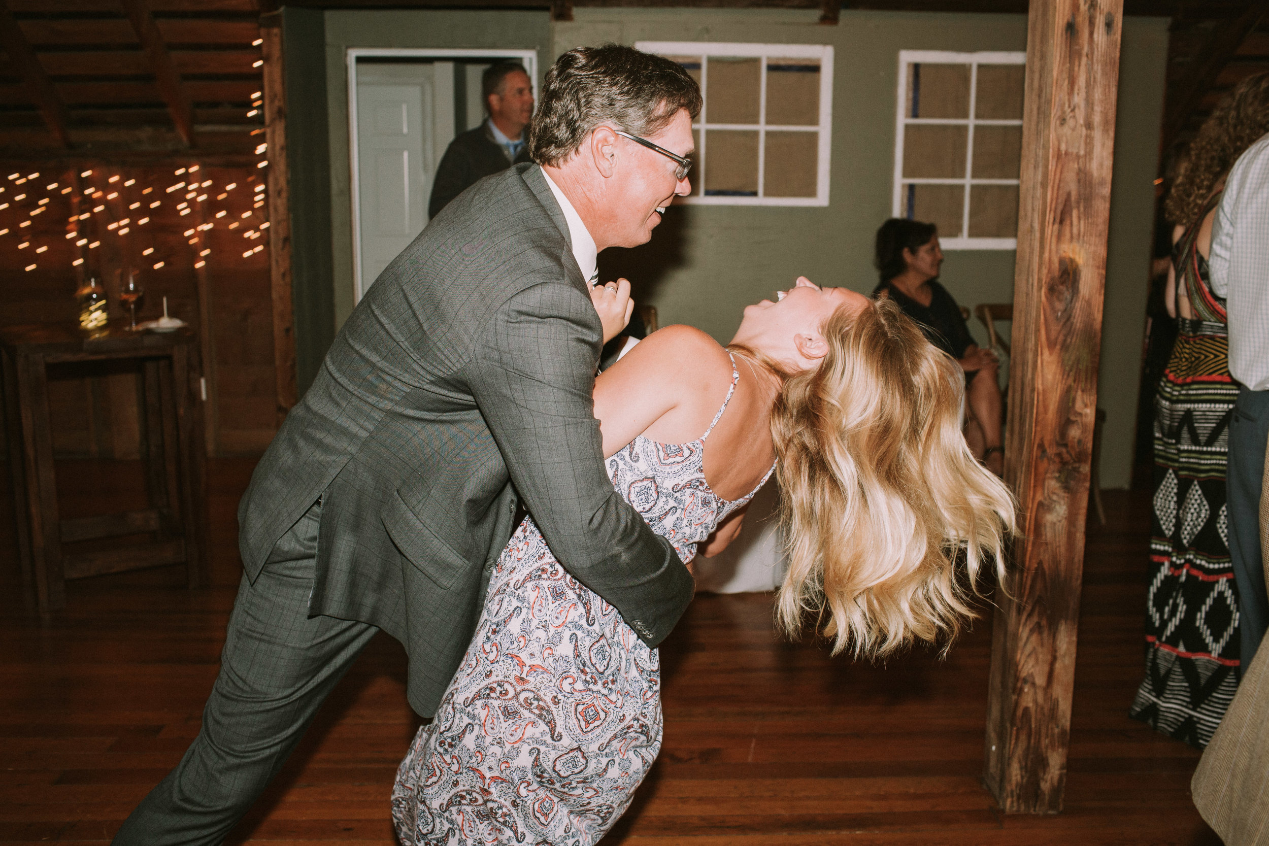 Lizzie&Chasen-Dancing-130.jpg