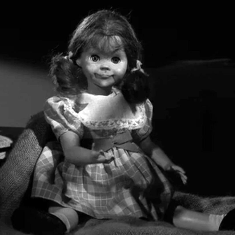 twilight-zone-talky-tina-doll-replica-4.jpg
