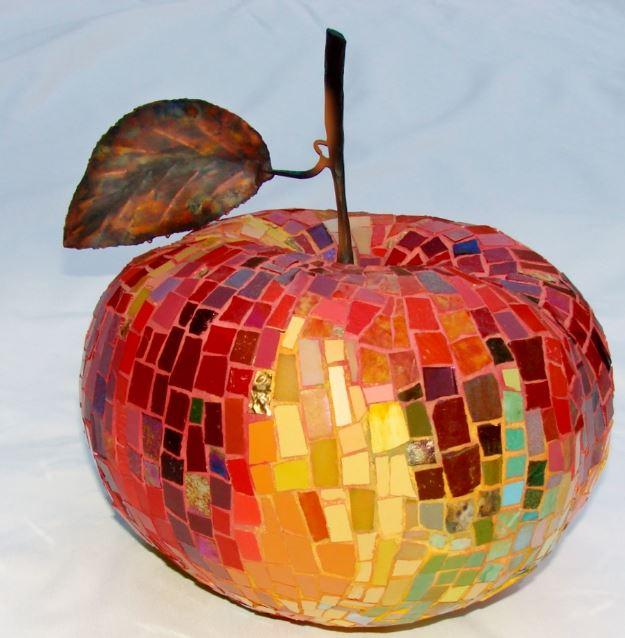 Madeleine Turgeon, Coeur de pomme, métal, cuivre,céramique, verre
