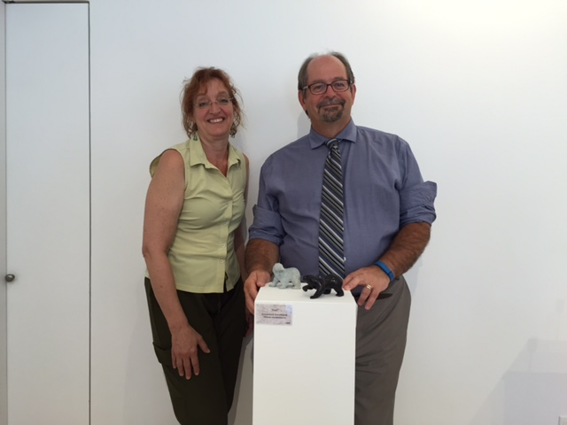 Le Ministre Geoffrey Kelley et Sylvie Cornez, consultante pour Makivik