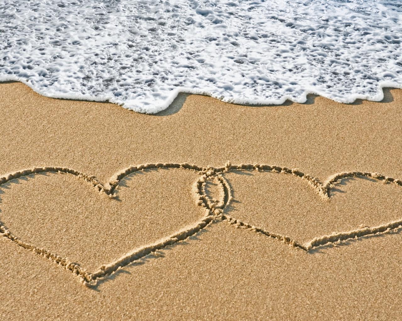 beach-sand-heart-backgrounds.jpg