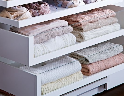 wardrobe organisation: organised functioning wardrobe