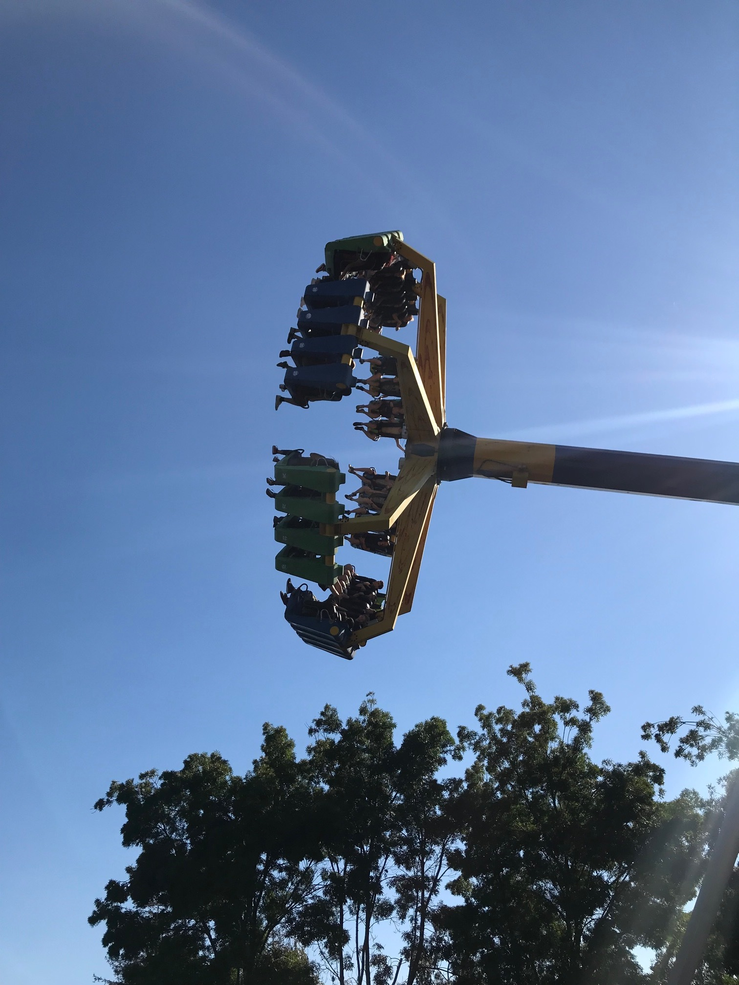 Members of the lab go vertical at Great America; Scott becomes ill just watching this - 27 July 18