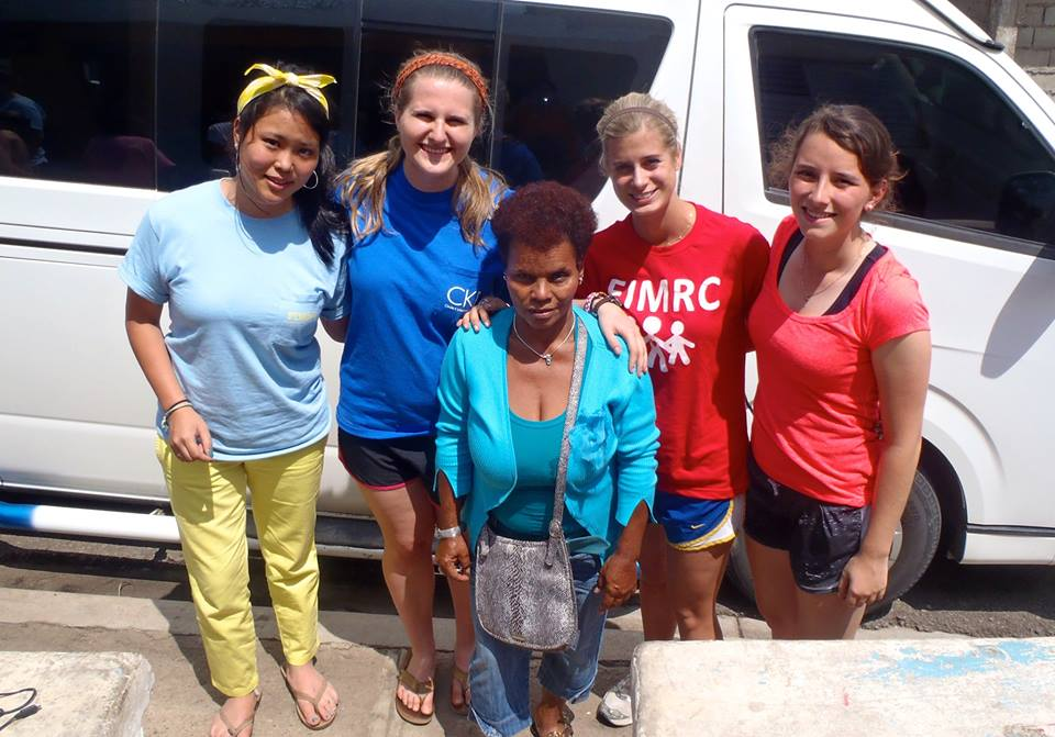 "Homestay mother Cuca and her ""American daughters"". This is the second year this group has stayed with Cuca for spring break!"