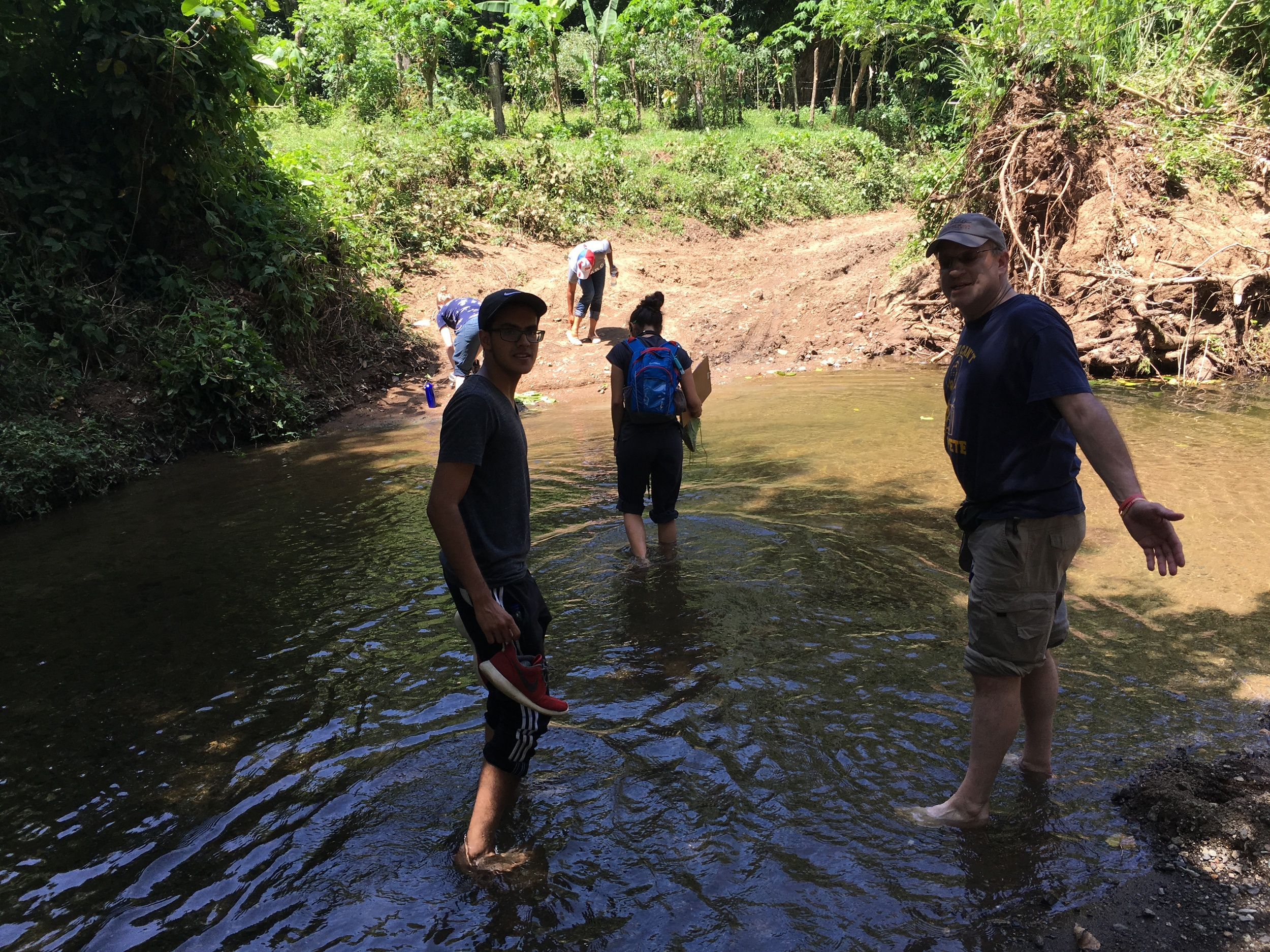 SIHF Dominican Republic  Fellows begin the hike to Tierra Sucia to screen families for diabetes and to spread the word about FIMRC's Diabetic Support Group.