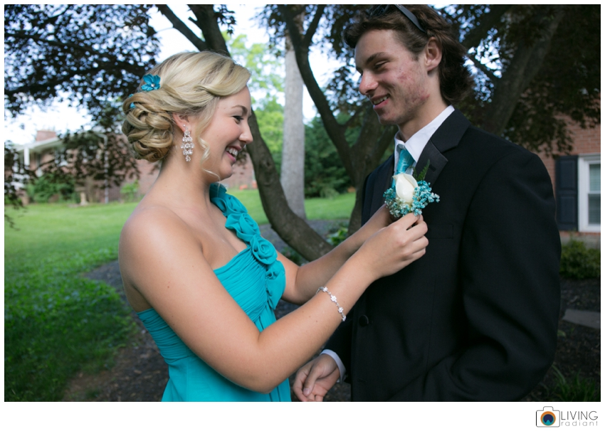 Aubrie-Mike-Perry-Hall-Senior-Prom-May_0001.jpg