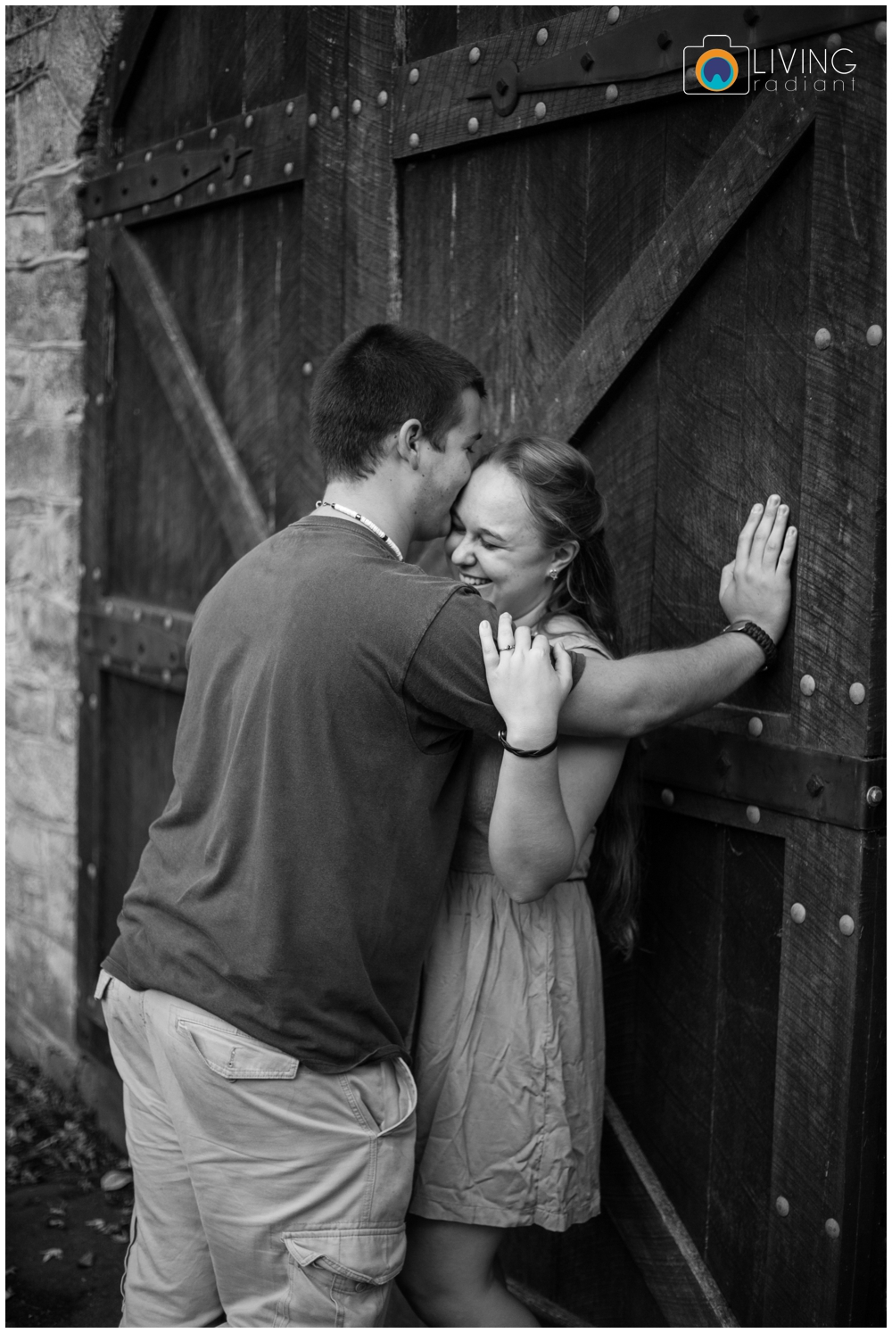 holley-ray-engaged-outdoor-engagement-session-woods-water-state-park-living-radiant-photography_0013.jpg
