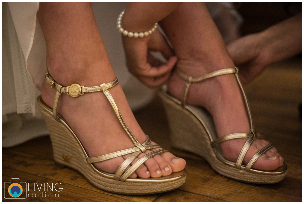 shannon-bill-bowers-wedding-living-radiant-photography-union-mills-homestead_0005.jpg