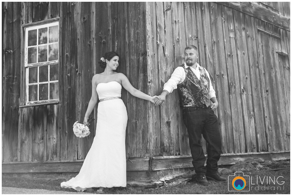 shannon-bill-bowers-wedding-living-radiant-photography-union-mills-homestead_0011.jpg