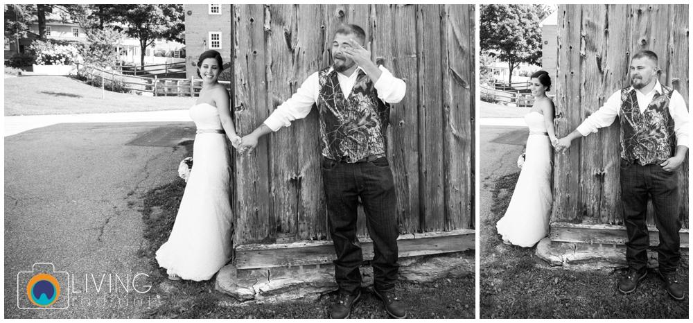 shannon-bill-bowers-wedding-living-radiant-photography-union-mills-homestead_0020.jpg