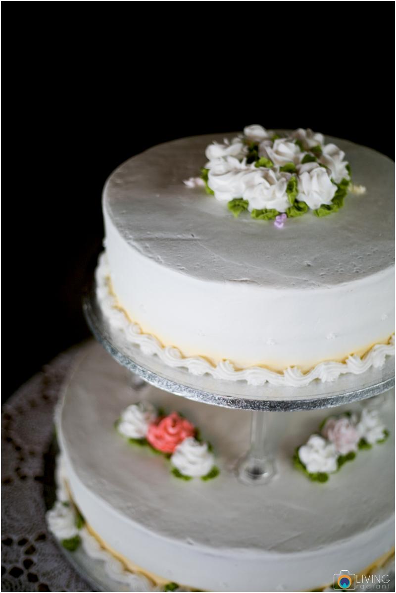 living-radiant-photography-marybeth-brad-wedding-pennsylvania-best-wedding-photographer_0043.jpg