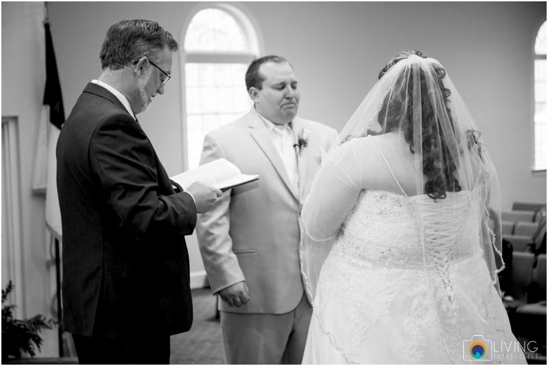 Kevin-Cassie-Pennsylvania-Littlestown-Chapel-Wedding-Living-Radiant-Photography_0043.jpg